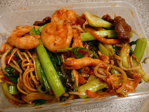 cravingsforfood:  Chinese chow mien.