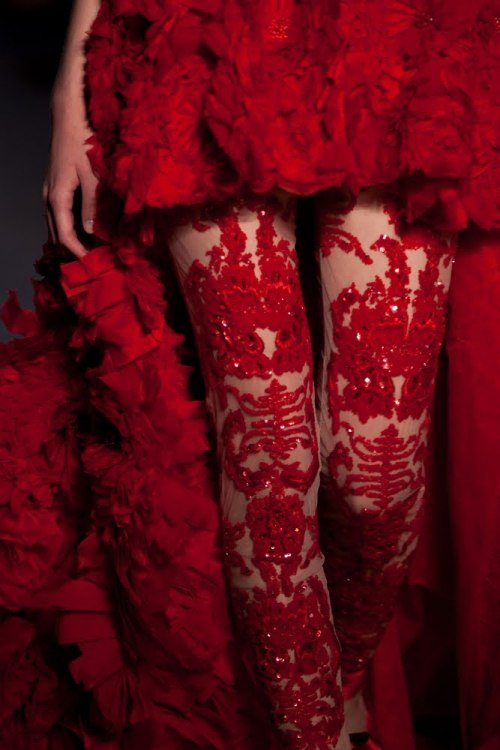 beautyandcuriosity:  RED IS THE COLOR OF LOVE iloverunways:  zuhair murad