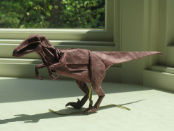 lavoisier:  Velociraptor (by philiporigami)  How do you make that???