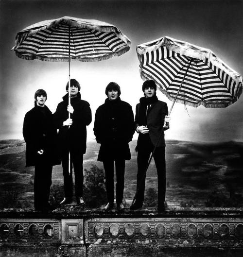 Ringo, John, George & Paul.  photo by Robert Whitaker