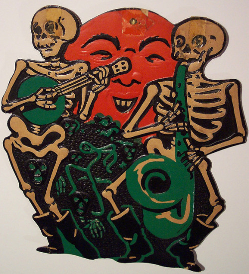 German diecut skeletons.  http://www.flickr.com/photos/vintagehalloweencollector/