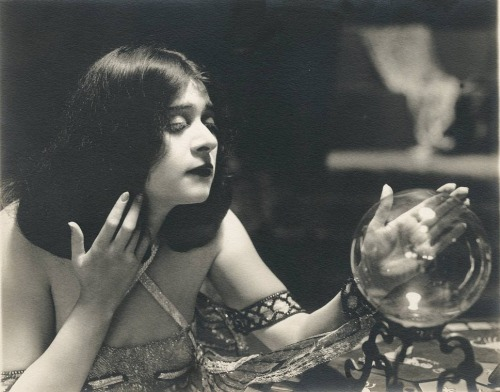 "theloudestvoice:  Theda Bara portrait for Salome, 1918  ""This deadly Arab girl was a crystal gazing seeress of profoundly occult powers, wicked as fresh red paint and poisonous as dried spiders.""  ~Film historian Terry Ramsaye speaking of Theda Bara in his 1926 book A Million and One Nights"