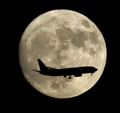 Moon in the Air…plane