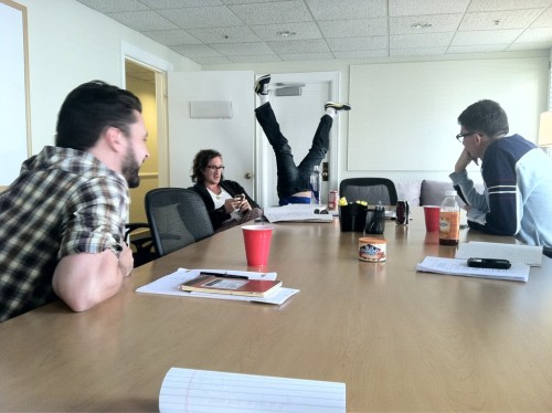 deflying:  fyeahgleecast:  Inside the Glee writers room…    How to write a Glee episode: Turn yourself upside down, wait for all of the blood to rush to your head, pass out, wake up and write down what you saw while you were unconscious. Repeat and get renewed for two more years.