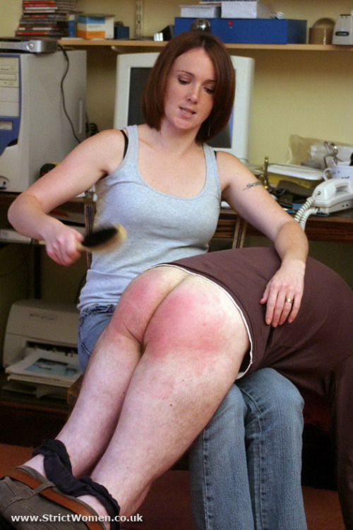 denied4u:  Looks like she means business! I like her. spankingtushnthegiblets:  ..how many time…!!   Damn. Yeah, she does look like she means business - looks like she would give a mean spanking!