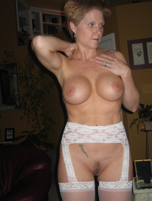 Granny Muscle Nude 31