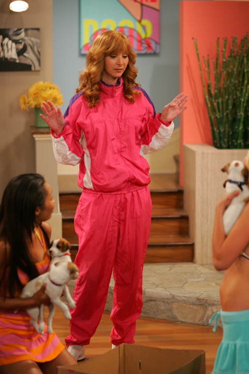 "niteflight:  Lisa Kudrow on The Comeback (2005)  One of the funniest shows I've ever seen, watch it now! It's on par with Ricky Gervais's ""The Office"", and ""Extras"", it's great, really is, kept me up till 7 am."