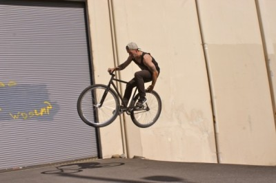 featherawayskit:  Chris Clappe from Zlog fucking shit up with a rear tire tap.