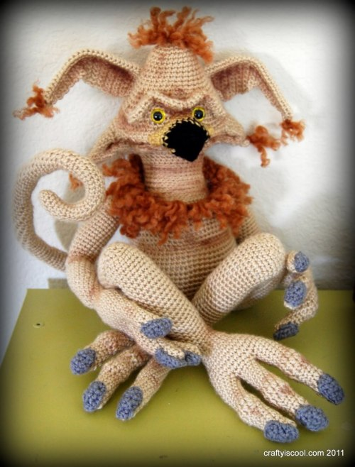 La mascota de Jabba, tejida con mimo por Crafty is Cool (via purple-lightsaber)