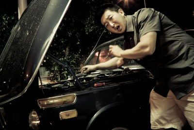 1st attempt at being a mechanic; thats why im tensed up lol