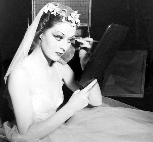 mothgirlwings:  Moira Shearer perfects her makeup on the set of The Red Shoes (1948)