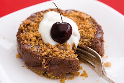 Rosemary Conley's Chocolate Amaretti Cheesecake. 230 cals per serving. Click through for recipe.
