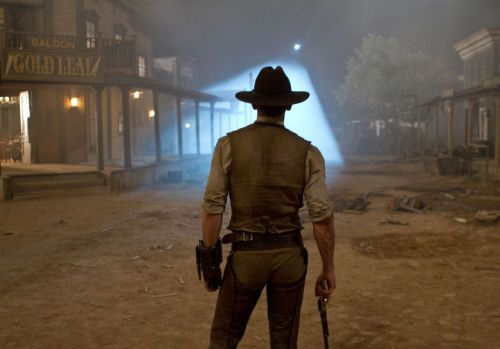 So to begin, DAT ASS. Cowboys and Aliens was glorious. It was everything I want in an action movie (you're about to find out what I want in an action movie.) It had: cowboys guns well timed and coordinated fight scenes aliens a genuinely frightening and malicious antagonist(s)  interesting backstory incorporated smoothly into the movie ALIENS, SCARY LOOKING ALIENS hot men being badasses a cohesive plot epic 'last stand' scene clever one liners giant explosions a weathered protagonist  a romance that isn't thrown in your face Normally with an action movie, I get 3 or 4 of these. I had them all today and it was magnificent.