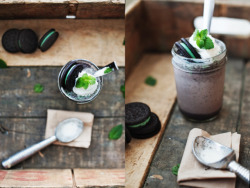 neekaisweird:  mint oreo milkshake (via Athena Plichta - Photographer › journal)  oh holy crap. i really want this.