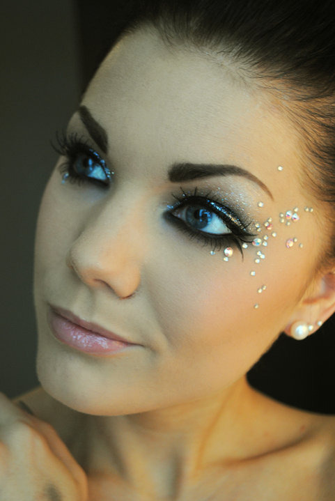 queenofblending:  rhinestones on the face done right