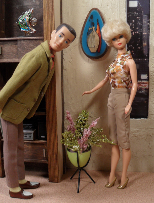 Retro Ken and Barbie My Barbies never had pads this cool.