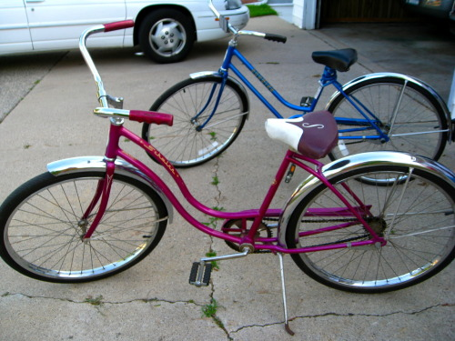 AH!!! Amazing vintage Schwinn bikes found in my grandpa's garage IN PERFECT CONDITION! Now how to get them to New York…