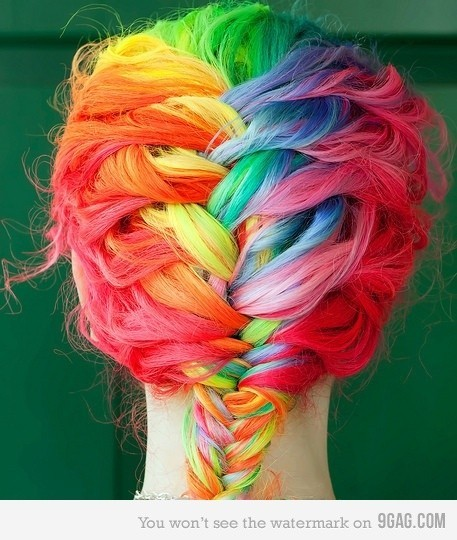 The Daily Picture Trenza + Colores = A M O R ———- Braid + Colors = L O V E