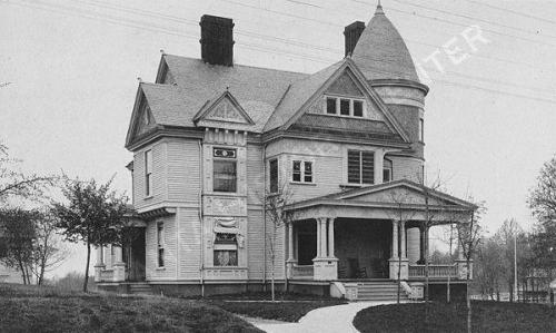 1895 view of the Robinson House at 8th and Peachtree Street.  Midtown Atlanta (via Atlanta History Center Album. Residence of Mrs. Augustus M. Robinson)