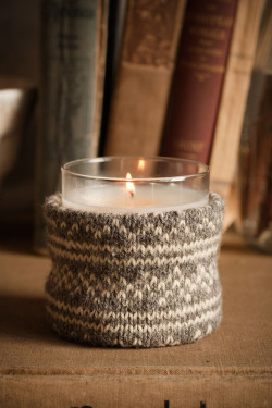 christmastimeinthecity:  (via diy: candle knitwear | the style files)