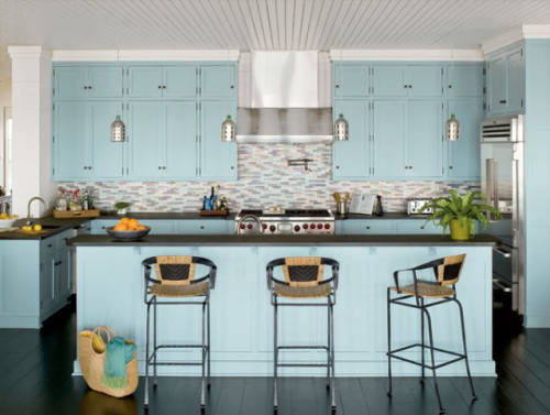 Beachy blue kitchen.