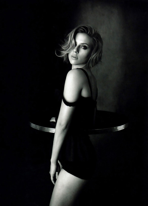 thingsthatexciteme:  Scarlett Johansson by Peter Lindbergh