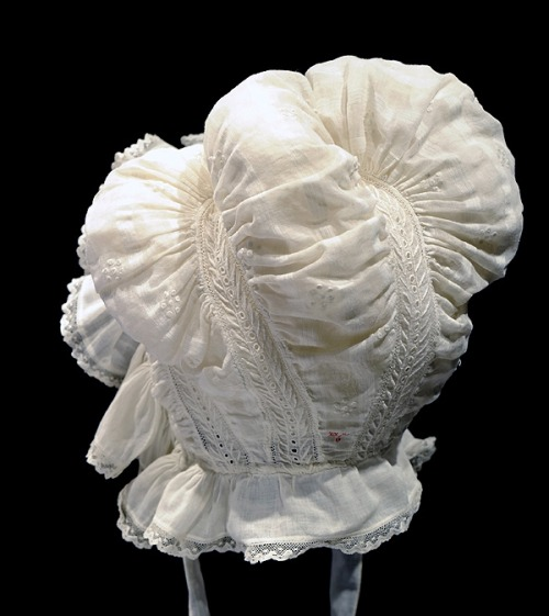 Cotton Cap, 1830s, Bowes Museum. Such complicated, intricate work!  This is a masterpiece!  I'd love to see it on a person.