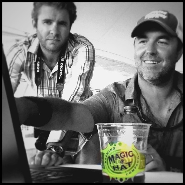 A refreshing end w/ @magichatbrewing as #NewportFolk Producer @ajsfour & Social Media Dir @andschmidt choose @Tretorn's #NyliteProject contest winner. (Taken with instagram)