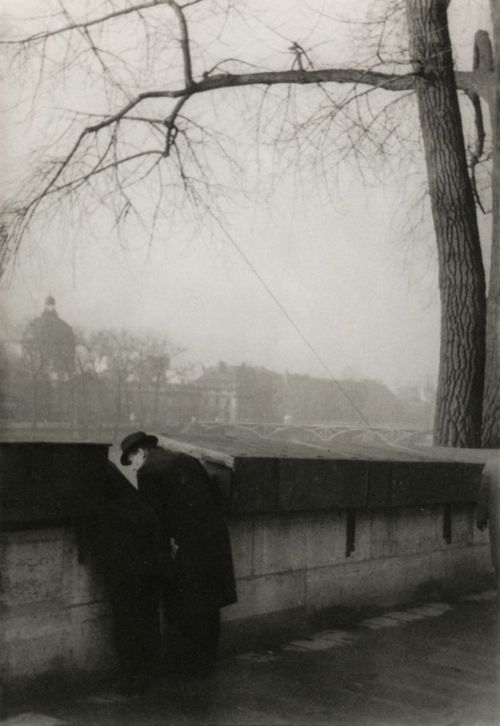 liquidnight:  Henri Cartier-Bresson Banks of the river Seine Paris, 1936 From Henri Cartier-Bresson: Scrapbook