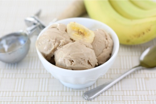 justbesplendid:   Two-Ingredient Banana Peanut Butter Ice Cream  by Two Peas & Their Pod  Yield: Serves 4 ingredients: 4 large very ripe bananas2 tablespoons peanut butter directions: 1. Peel bananas and slice into 1/2 inch discs. Arrange banana slices in a single layer on a large plate or baking sheet. Freeze for 1-2 hours. 2. Place the banana slices in a food processor or powerful blender. Puree banana slices, scraping down the bowl as needed. Puree until the mixture is creamy and smooth. Add the peanut butter and puree to combine. Serve immediately for soft-serve ice cream consistency. If you prefer harder ice cream, place in the freezer for a few hours and then serve. *Note-if you have a hard time creating a creamy consistency, you can add 1-2 tablespoons of milk to help puree the banana slices. Make sure you use a powerful food processor or blender!