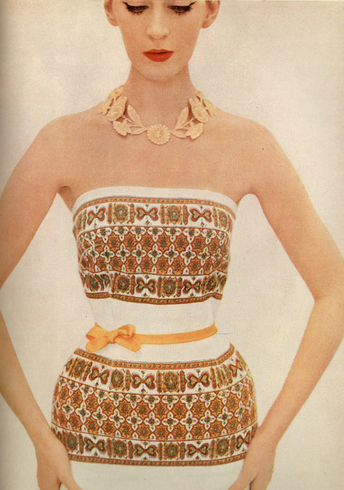 theniftyfifties:  Dovima in a patterned summer dress, 1950s.