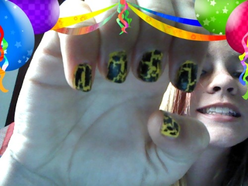 coool nails! (: WOOT!