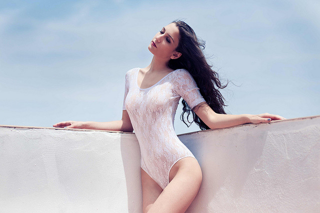 (via Rooftop Heat Editorial by Miguel Martin – Photo 8479 – Fashion Photography at Flickrista.com)