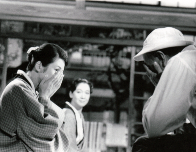 missingozu:  Covering sadness. Or how to cry in an Ozu film. // Late Autumn (1960)  See also It's a wonderful memory now.