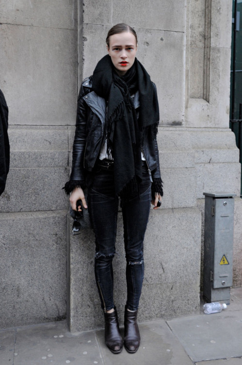 What a perfect look. Dark, gothy styles always look so expensive, so I'm loving how the genuine wear of the jeans and the ripped knees take it down a notch.
