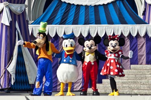 Goofy, Donald, Mickey & Minnie