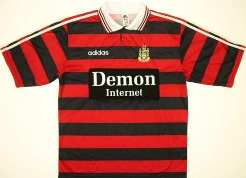 The startup kids love this 98-99 Fulham third kit by Adidas. Yes, Americans, Demon Internet is real. Yes, they paid 1.5 million pounds for kit sponsorship in '98. Here's a Fun Archive Article: AOL and Demon Battle for Supremacy - DJ