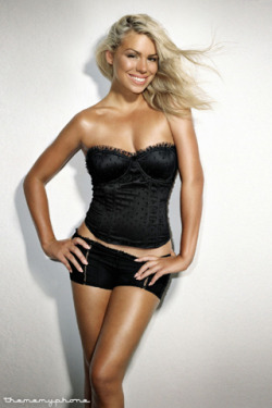 Billie Piper Gusta.  Stephen can't tell me she's not mofo hot. .
