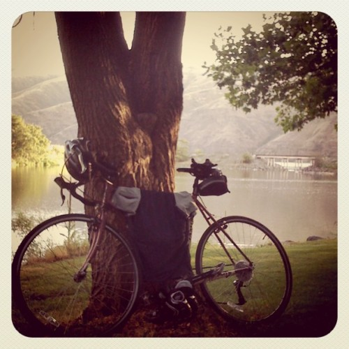 Always easier to suffer when this waits @ end #cycling #snakeriver #wawawai (Taken with instagram)