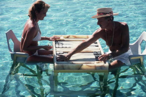 superseventies:  Backgammon in Acapulco, 1978.  Photo by Slim Aarons.  THIS. NOW. Who's in?