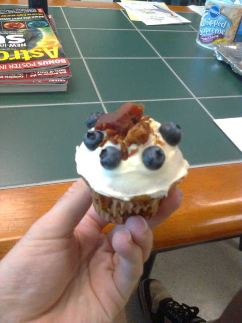 If any Fans wanna Send us Bacon Cupcakes, we Would Gladly Accept them :) davereed:  For my birthday our receptionist (read: office mom) made me a blueberry bacon cupcake! She knows me too well