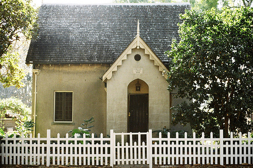 A little cottage with white picket fence | by nth° | via jeanpeanut