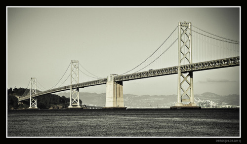 99/365 (04.09.2011) : An April day with the Bay Bridge on Flickr.