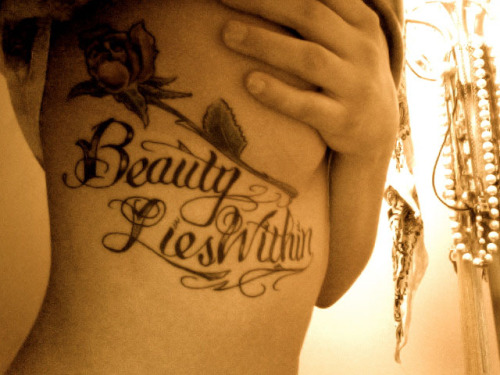 fuckyeahgirlswithtattoos:  beauty lies within.