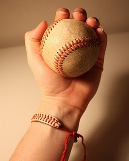 DIY Baseball String Bracelet Love this, you could even make a Chevron pattern friendship bracelet with a white border to mimic this design if you don't have a baseball handy. (via Baseball String Bracelet)