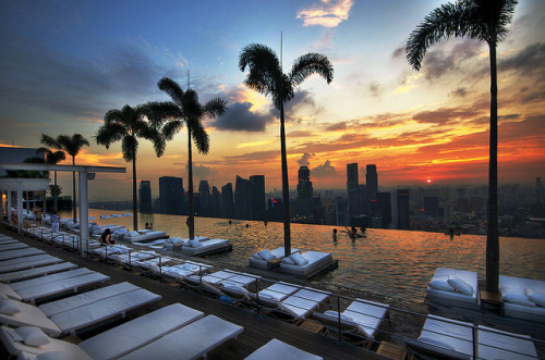 The Infinity Pool at Sands Sky Park. It's resting on the 56th floor of Marina Bay Sands by williamcho on Flickr.