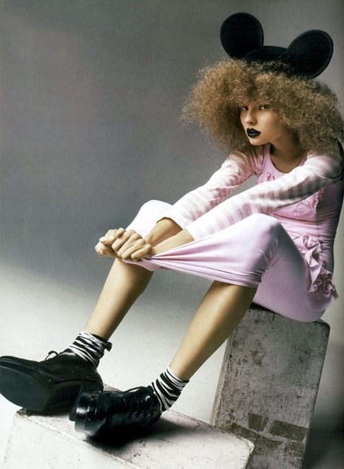 dinnerwithannawintour:  Magdalena Frackowiak in Comme des Garçons shot by Anthony Ward for Vogue China