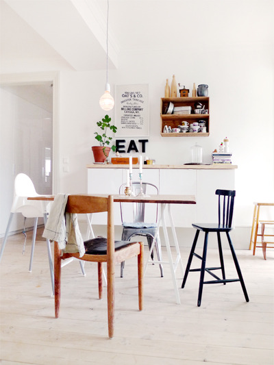 myidealhome:  mismatched chairs, a touch of typography and plenty of room to grow (via a perfect dining room. | Design For Mankind)
