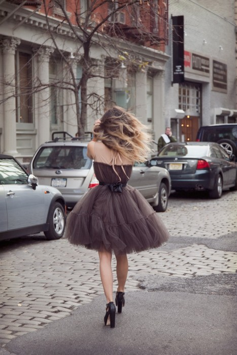 (via Fashion / Brown chiffon dress)