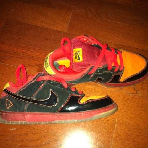 Out the Vault @nikestore #mynikes #dunks #SB #hawaii  (Taken with instagram)